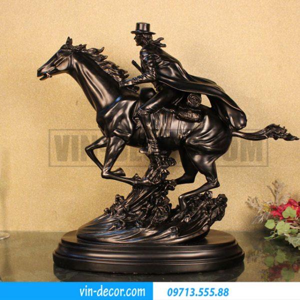 đồ trang trí cao bồi cưỡi ngựa 02